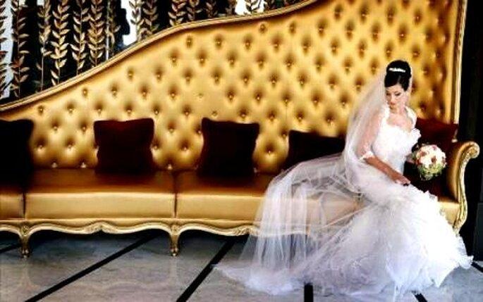 Colección de vestidos de novia con toques de negro 2010