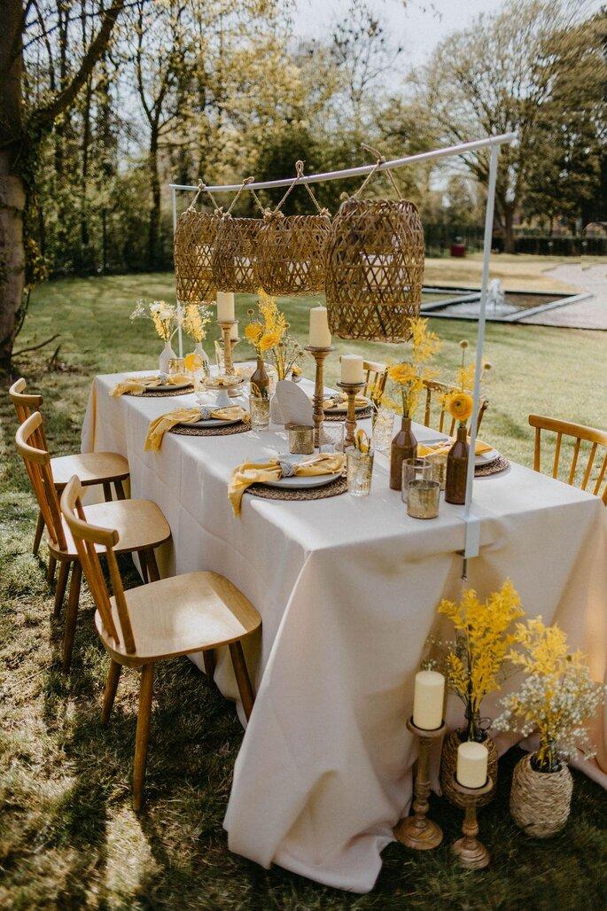 Hochzeitsdekoration Hochzeitskonzept Gartenhochzeit Sommer Trendfarbe Gelb