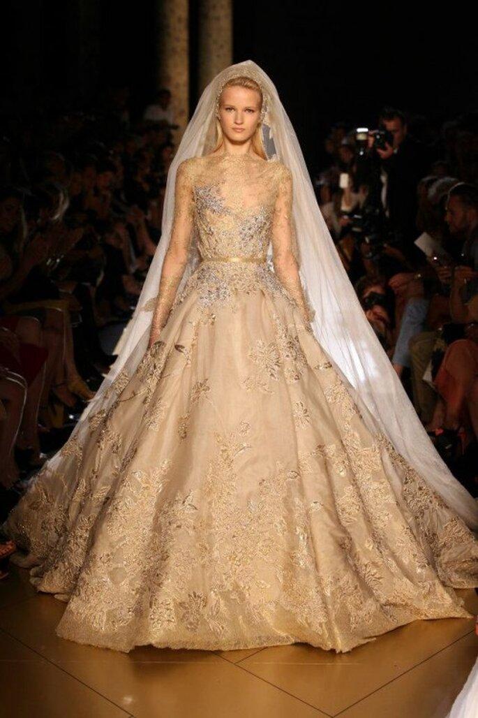 ee90024ef guardar Vestido de novia elegante para otoño invierno - Foto Elie Saab 2013