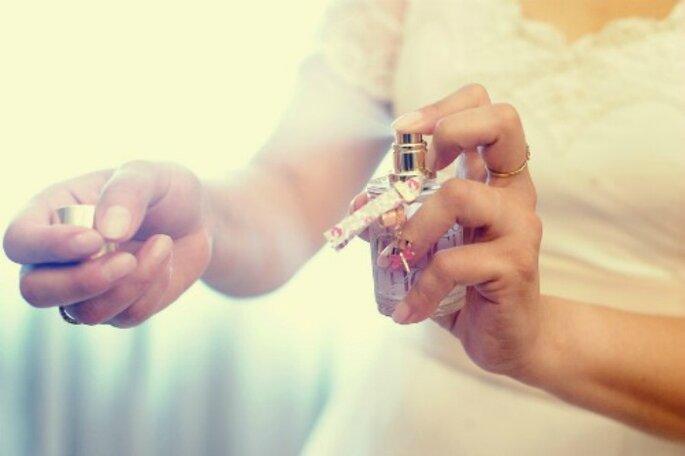 El perfume debe aplicarse en zonas como el cuello y las muñecas para que perdure. Foto: Adrian Stehlik