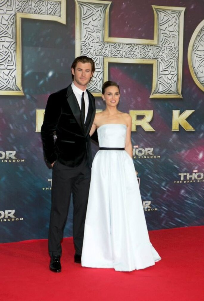 Inspírate en el look de Natalie Portman y Chris Hemsworth para su look de novios - Foto Thor Facebook