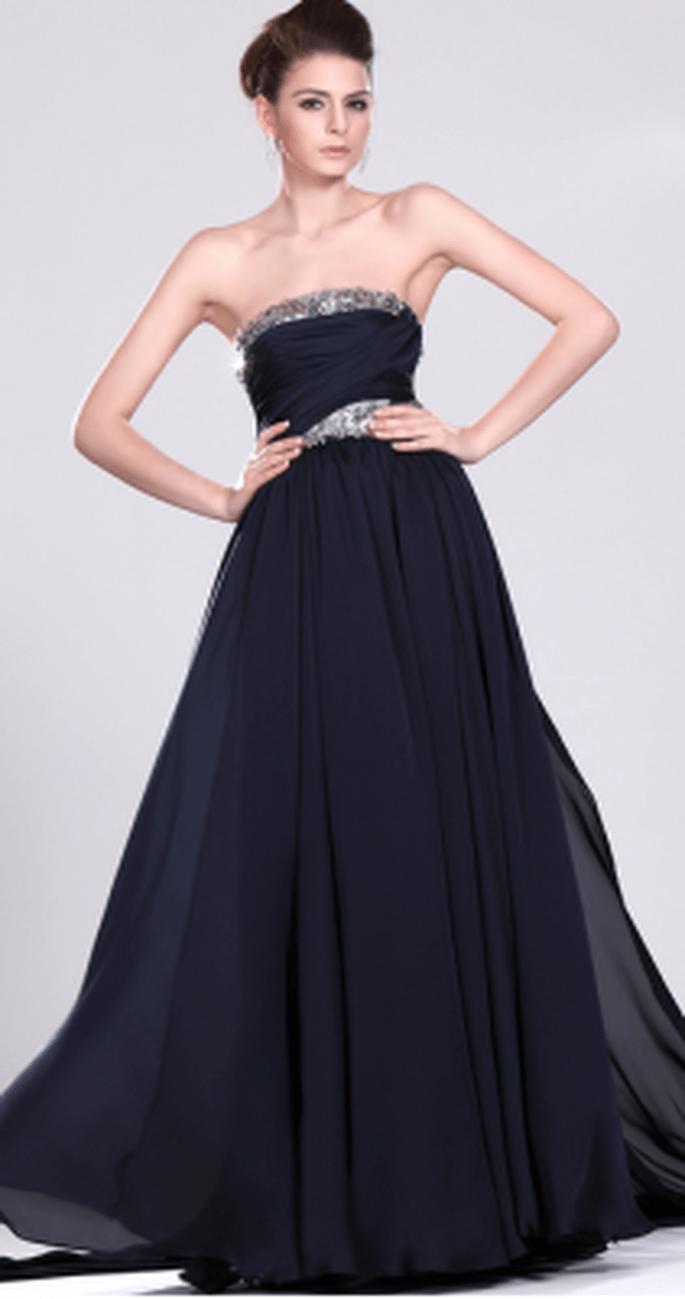 Teinture astucieuse : on transforme sa robe de mariée en robe de soirée ! - (C) Robes de soirée