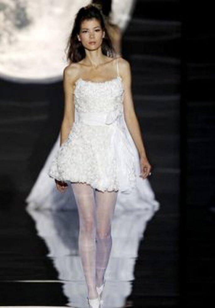 Pepe Botella 2011 - Vestido corto en organza, corte evasé, escote bañera