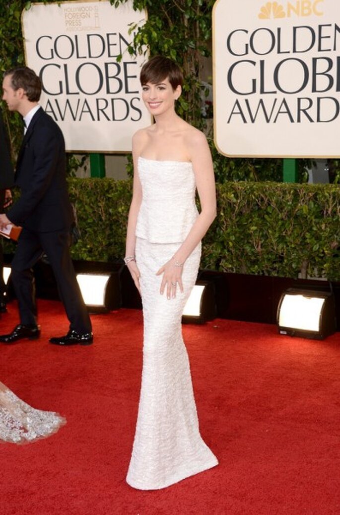 Anne Hathaway in Chanel.