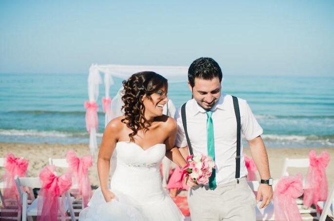 Decoración de boda con detalles en color dorado y rosa