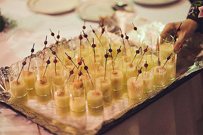 Un catering tipo 'buffet' puede ser la solución para celebrar una pedida sencilla y sin complicaciones