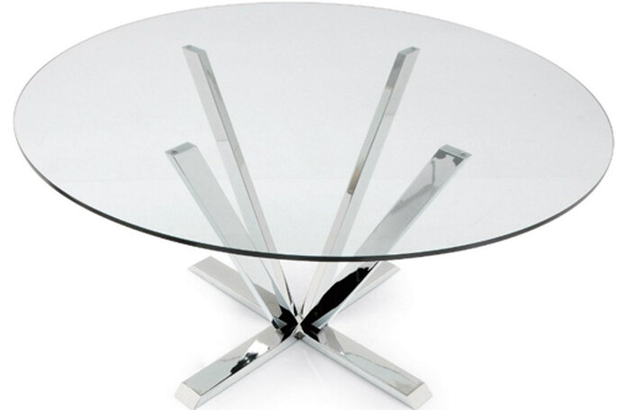 Stardust, tavolo rotondo in vetro e metallo con basamento in metallo per il massimo confort dei commensali. Foto: Calligaris.it
