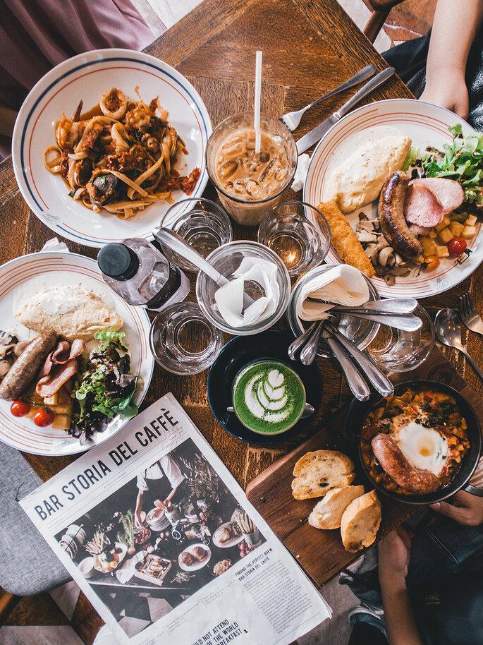 Lua de mel gourmet: 5 destinos gastronômicos para casais bons de garfo
