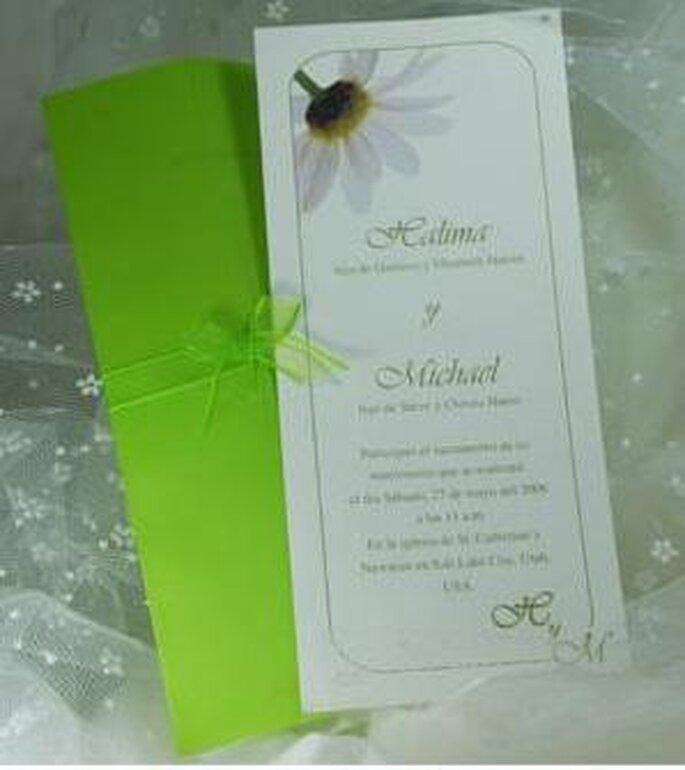 En formato vertical donde el verde está dado en la tipografía y el sobre
