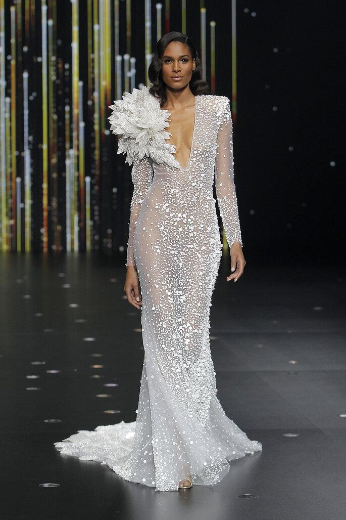 Vestido de novia corte sirena con arreglo maxi