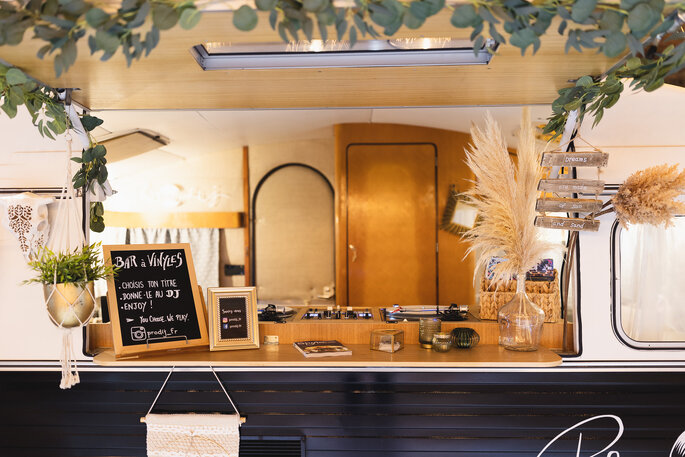 Décoration salle mariage bohème chic champêtre moderne bar