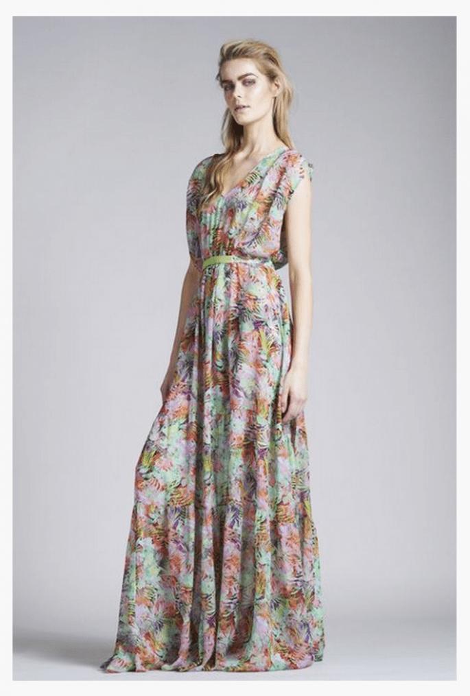 Vestido de fiesta 2014 con estampados multicolor y silueta maxi - Foto Saloni