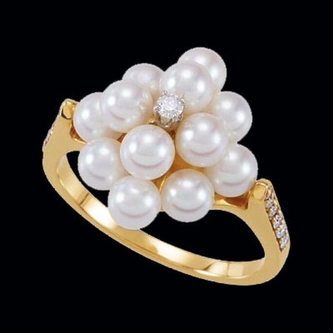 Pretty Pearl Engagement Rings A Symbol Of Harmony