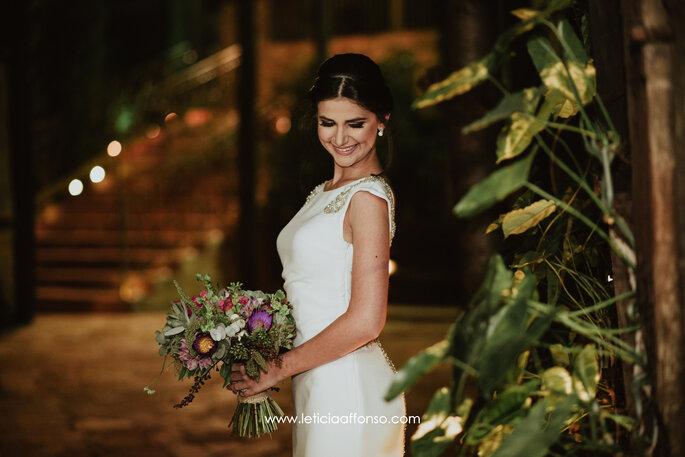 Vestido de noiva com decote canoa