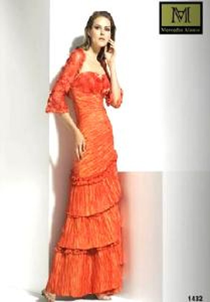 Mercedes Alonso 2009 - Vestido palabra de honor con torera de pedrería
