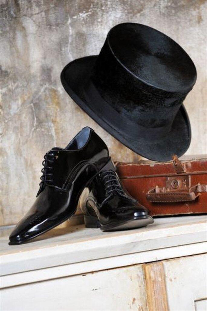 PLS Mike black aus der Kollektion MEn. von Elsa Coloured Shoe - Foto: http://www.elsacolouredshoes.de