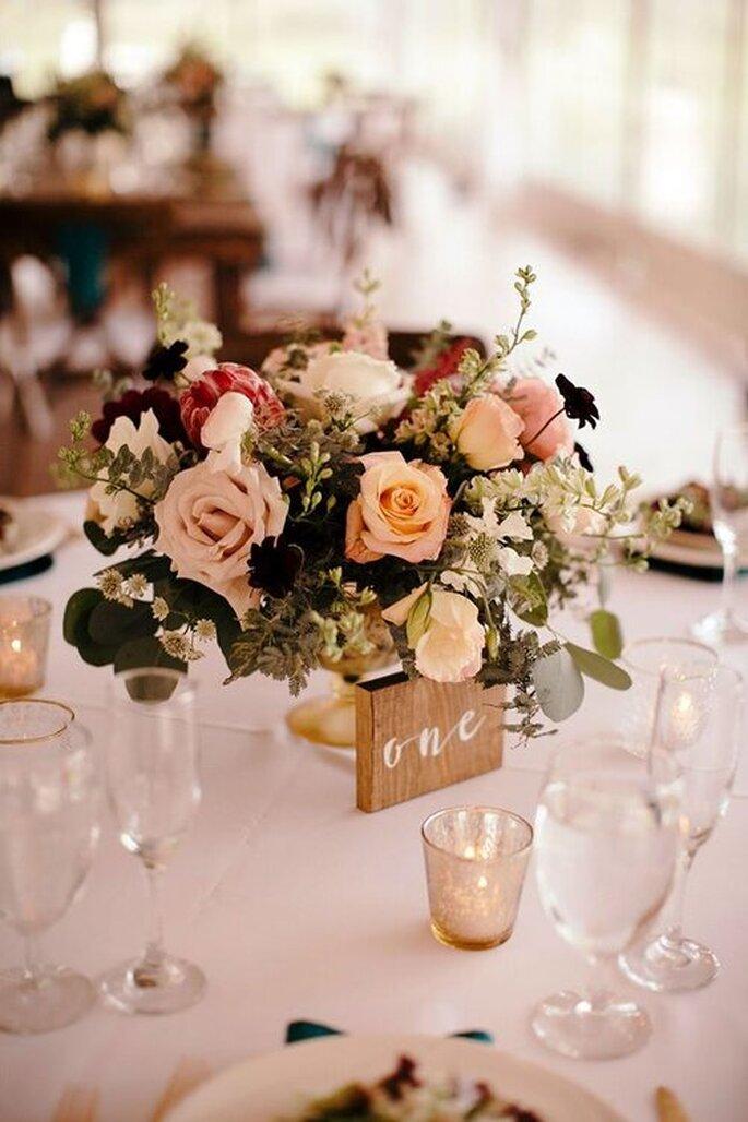 centro de mesas de flores para despedida de soltera
