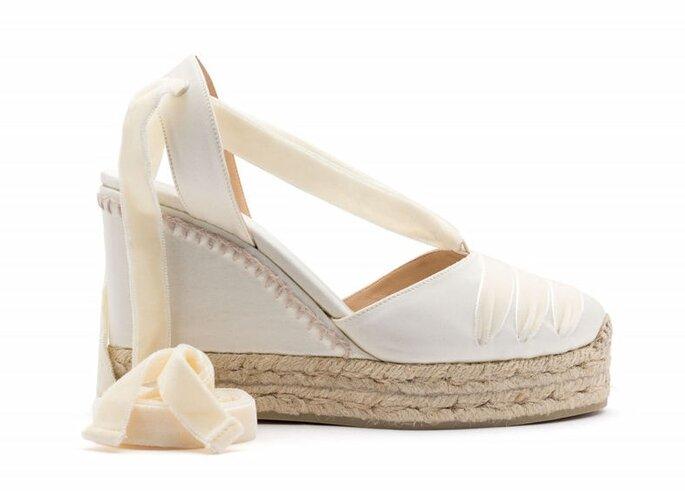 Zapatos de novia con tacón corrido en cabuya