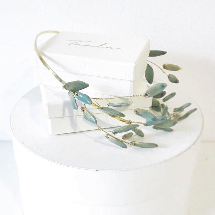 Le delicate tiare handmade firmate Taala