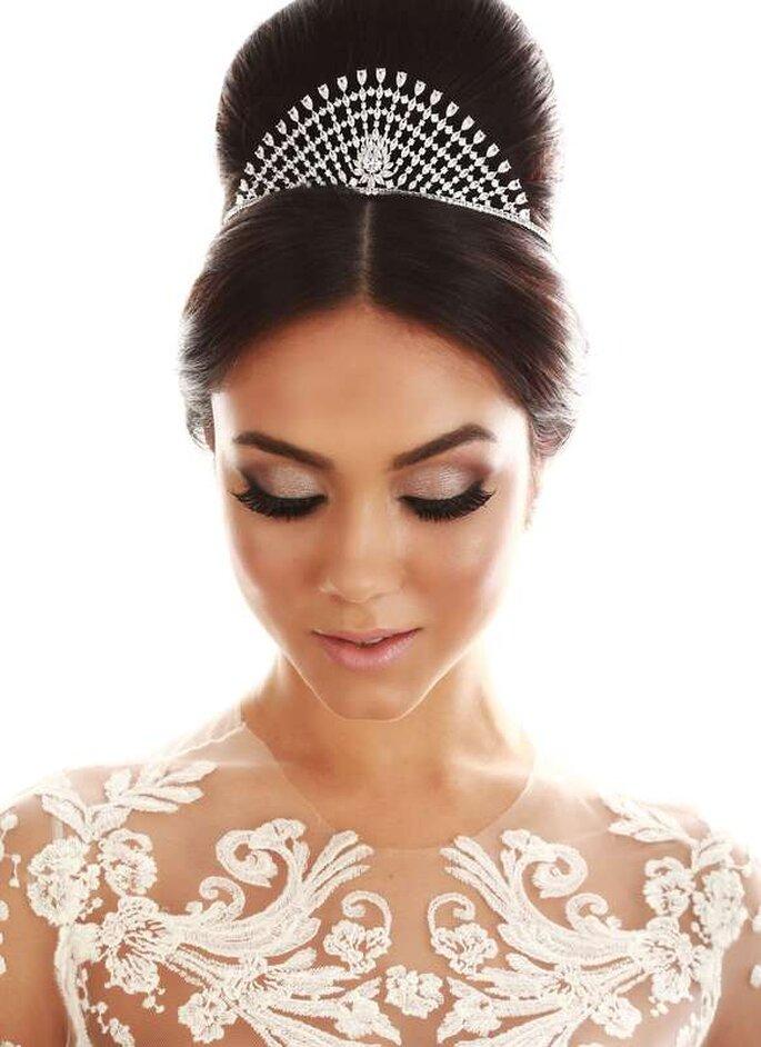 Coroa alta para noiva