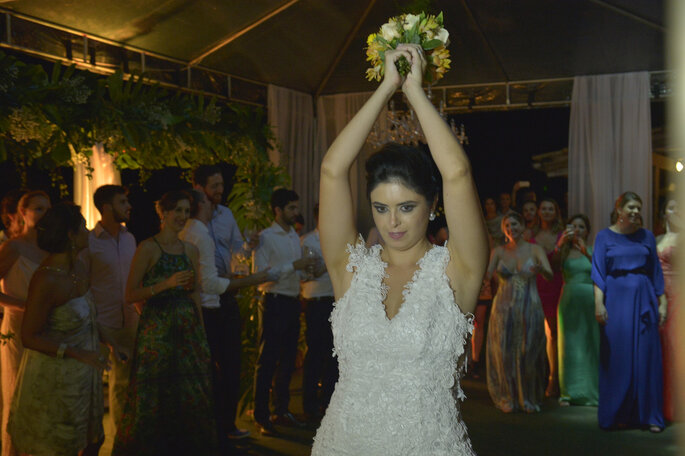 hora do buquê da noiva