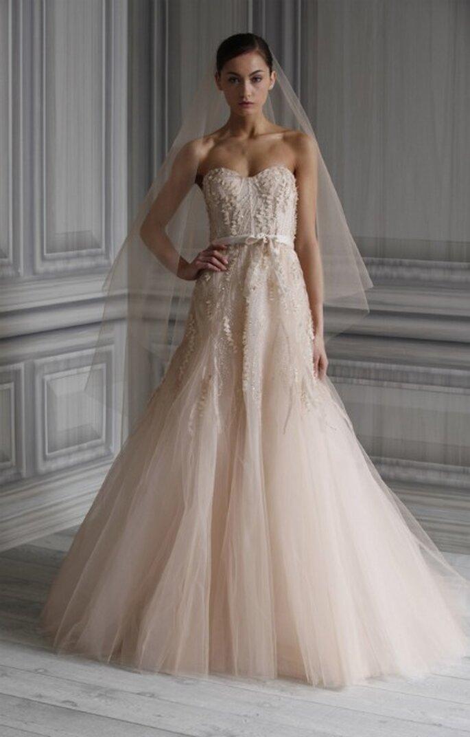 Petite ceinture discrète et sobre sur une robe de mariée Monique Lhuillier 2012 modèle Candy