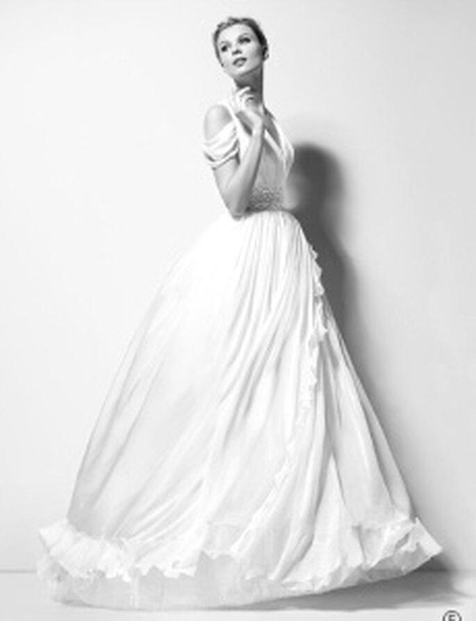 Karl Lagerfeld 2010 -Xanthe, robe longue, taille haute, décolleté en-V