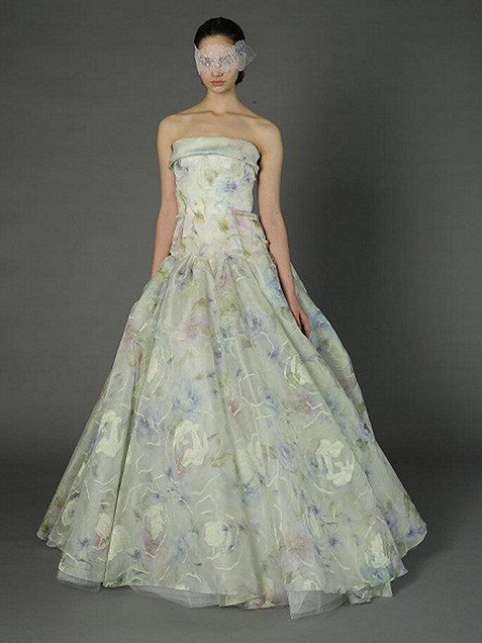 Bekennen Sie Farbe in A-Linien Brautkleidern – Foto: Douglas Hannant