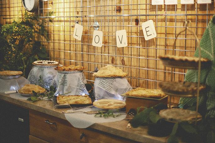 Banderines para decorar la mesa del buffet. Foto: One Love Photo