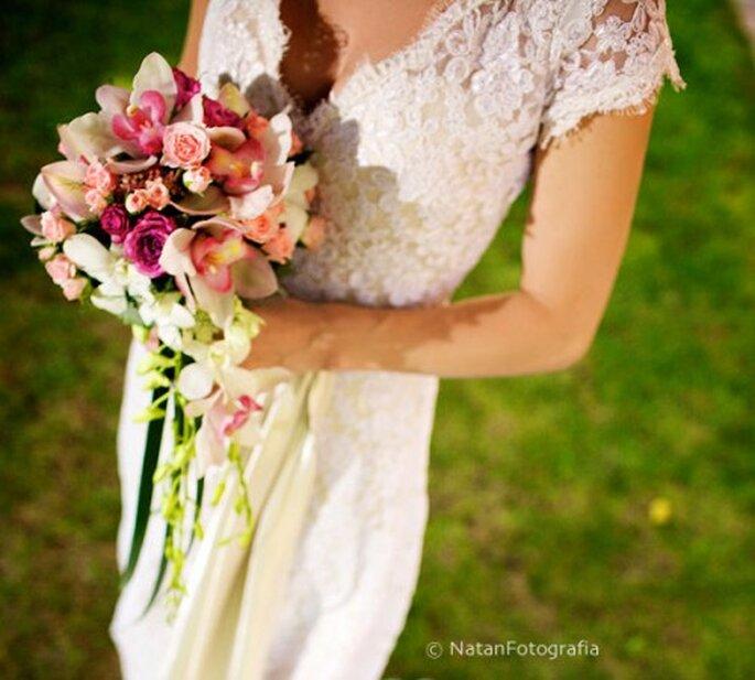 Ramo de novia en colores claros 2012. Imagen Natan Fotografia