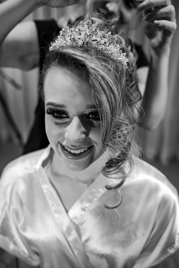 Maquiagem e cabelo da noiva: Equipe Carol Oliveira - Foto: Cris Polizello Fotógrafo