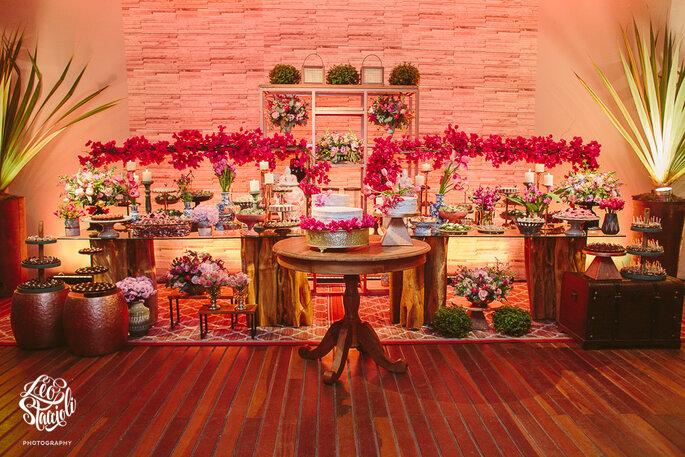 Flores: Jolly Design Floral - Decoração: Izabel Kahn Eventos - Foto: Leo Staccioli Photography