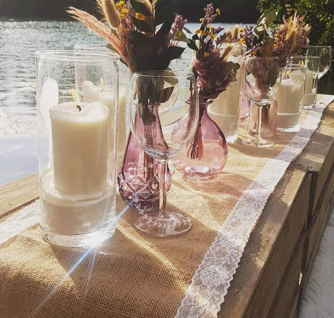 Fleurs de mariage - bouquets de tables champêtres