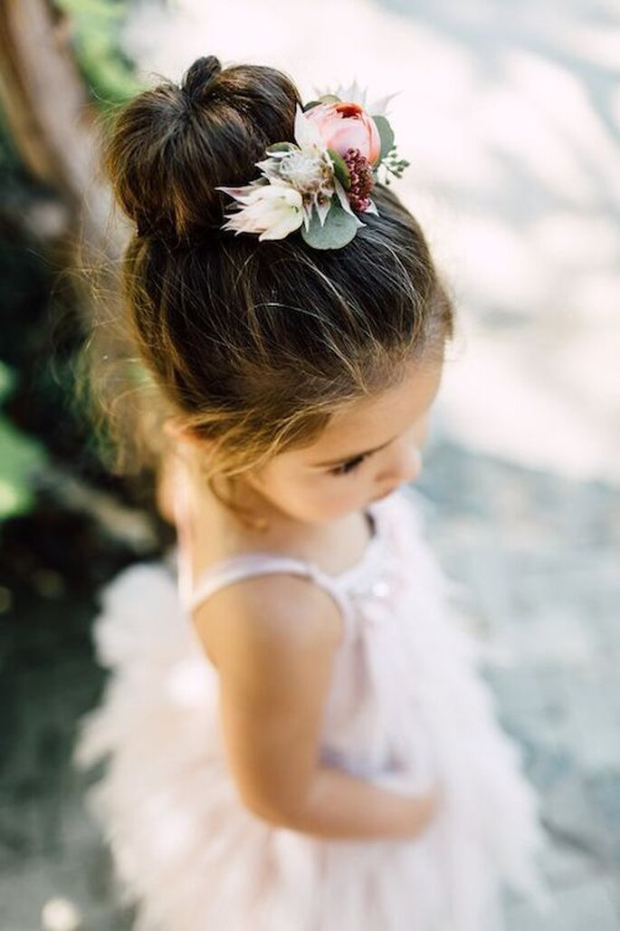 Chignon de mariage petite-fille