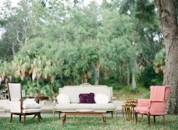 Mobiliario con diseño súper original para decorar una boda - Foto Justin DeMutiis Photography