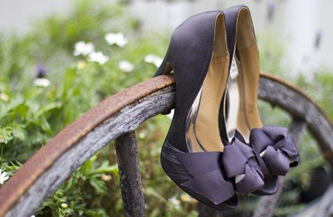 Presume tus increíbles zapatos de novia en lindas tomas - Foto Christina Diane