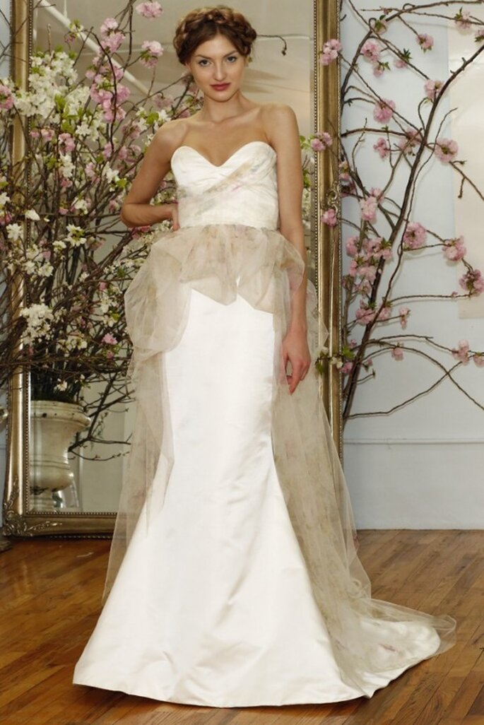 Свадебное платье с декольте в форме сердечка от Elizabeth Fillmore весна 2015