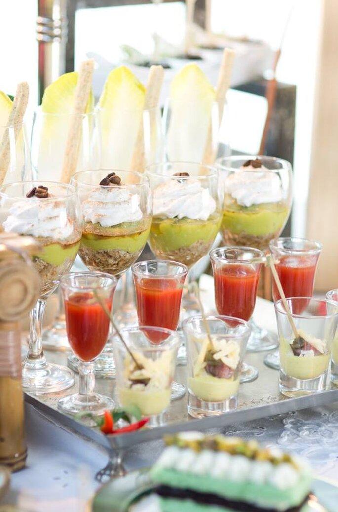 Tiramissu de abacate/Gaspacho/Carpaccio com alcaparras em dip de mostarda. Saint Morit's Buffet & Eventos - Foto: Henrique Peron Fotografia