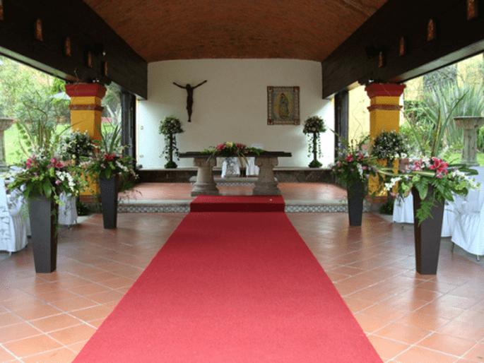 Ambientación y decoración del altar en tu boda - Foto Grupo Montblanc