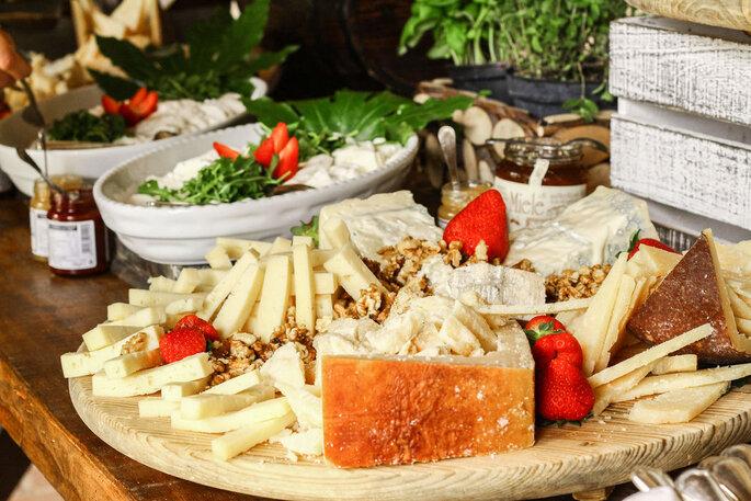formaggi e salumi per l'aperitivo matrimonio