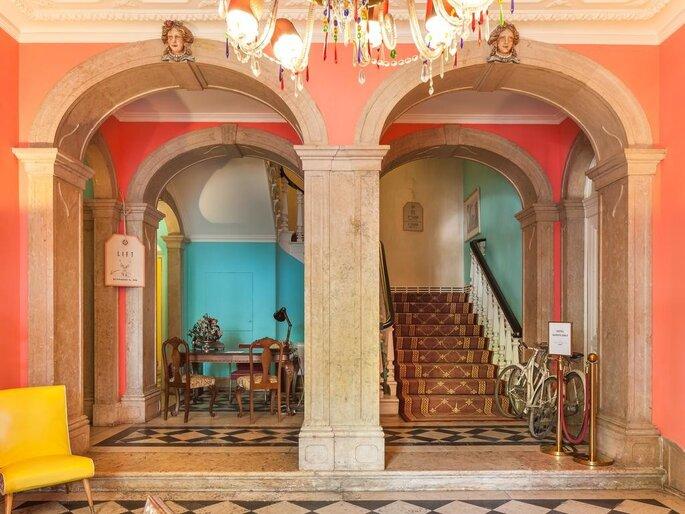 Hall da escada do The Independente em Lisboa