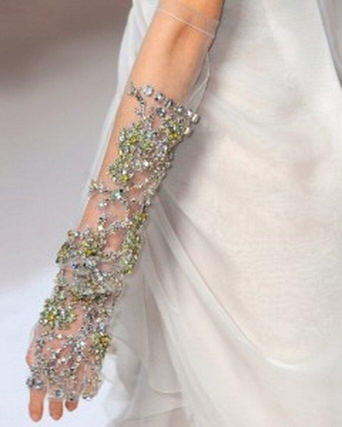 Gants de mariée brodés