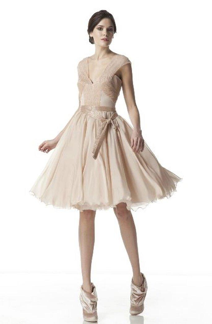3aade30cd102 I 10 abiti corti da sposa più moderni per la sposa di primavera 2012