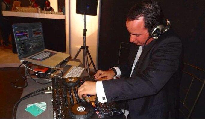 DJ Rodrigo Parodi - Audio & Iluminación