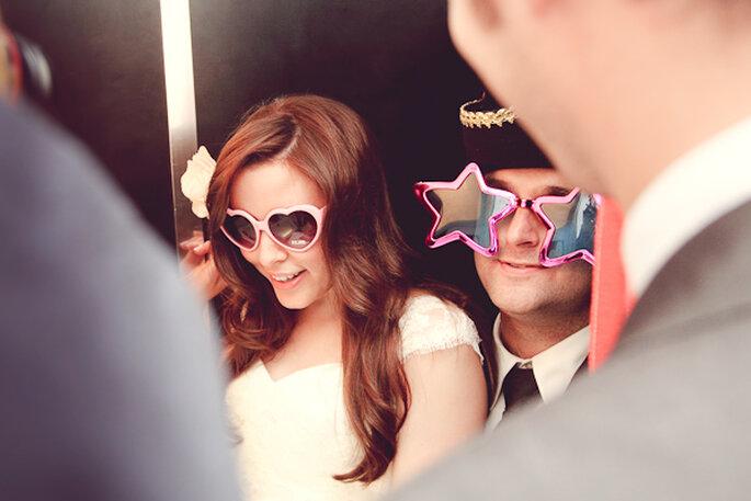 Actividades divertidas para recibir el año nuevo con tu prometido - Foto Funky Photographers en Bridal Musings
