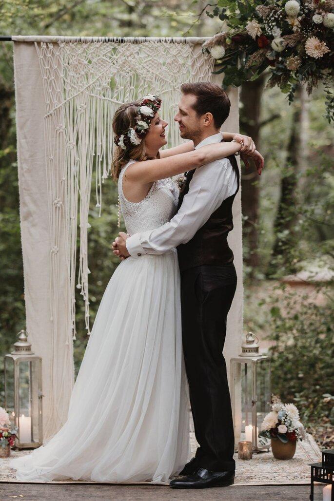 Das Brautpaar beim Boho-Shooting.