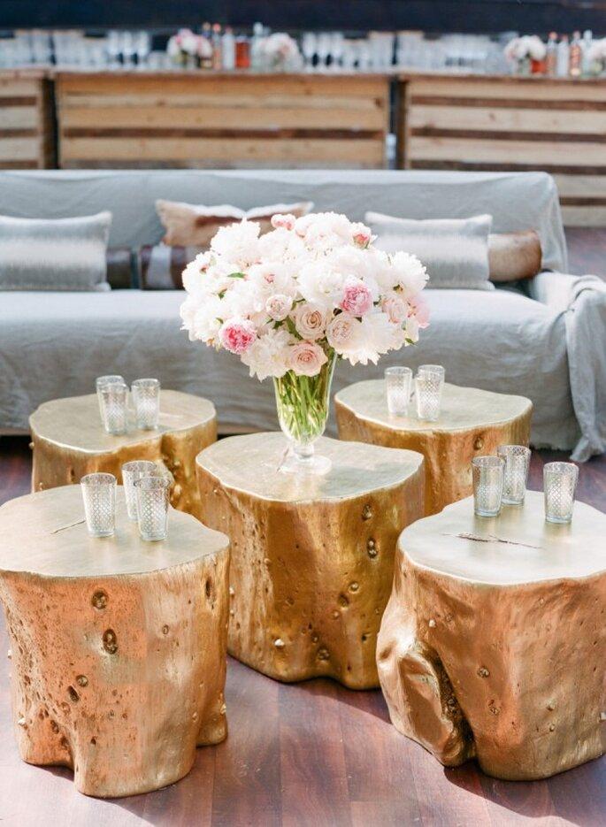 Mobiliario con diseños originales para decorar una boda - Foto Corbin Gurkin Photography