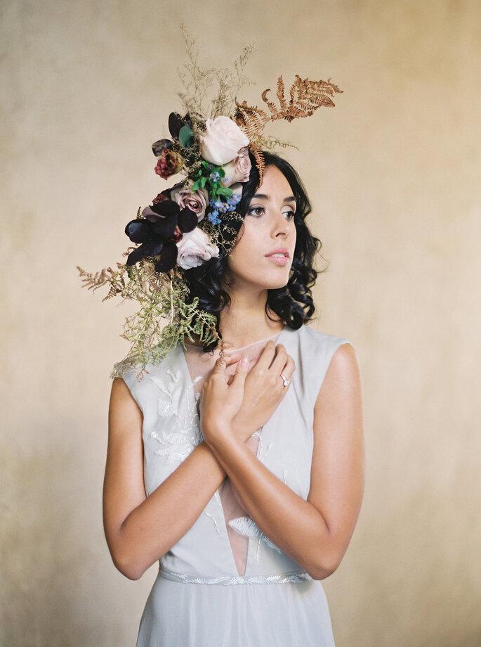 Couronne de fleurs de mariée asymétrique