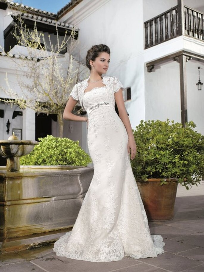 Elegantes Brautkleid mit Spitze von Miss Kelly, Kollektion 2012
