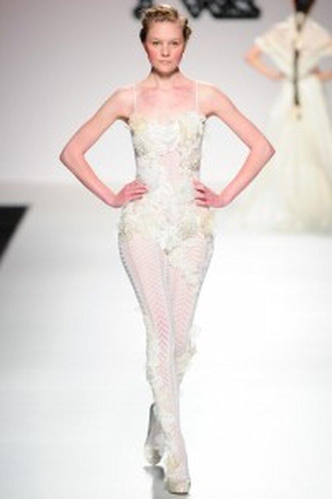 Model Novias 2011. Medias con glamour.